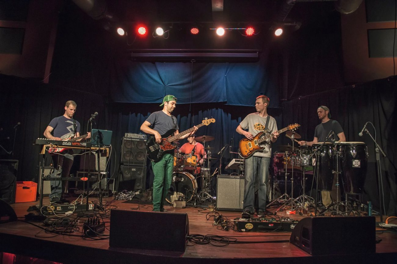 Stereo Frontier Says The Best Artist Live in a Purely Musical Experience
